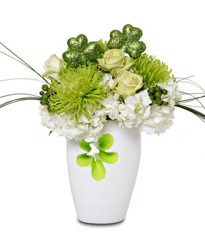 Vase with Daisy cut out  St Pats Day