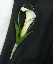 Boutonniere with White Calla Lily