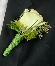 Boutonniere with green Rose