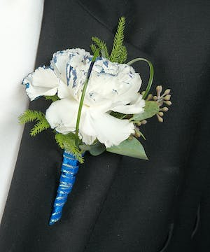 Boutonniere with color tipped Carnation
