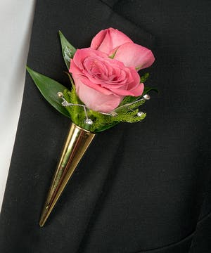 Boutonniere with sweetheart roses