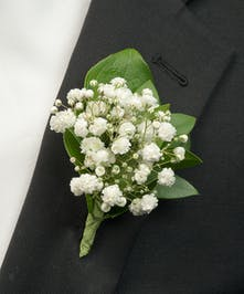 Boutonniere with baby's breath