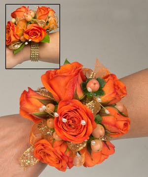 Corsage with sweetheart roses and berries