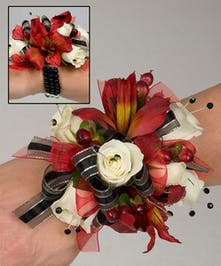 Corsage with sweetheart roses and peruvian lilies